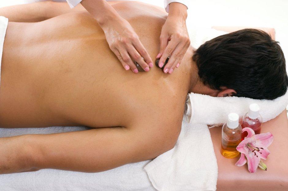 man-spa-massage_1507781-767502